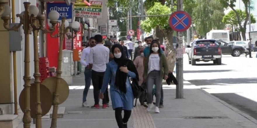 Kars'ta maskesiz dolaşmak yasaklandı