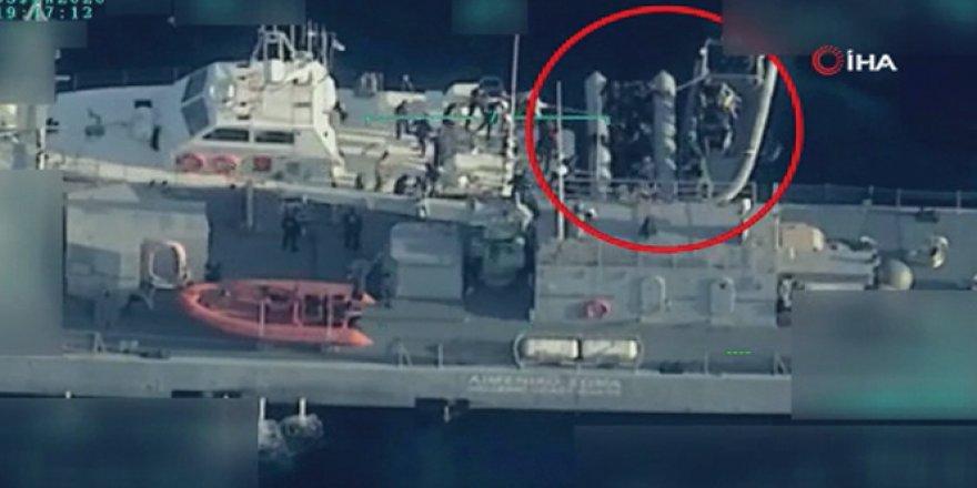 Yunanistan'ın Türk karasularına ittiği mülteciler kurtarıldı