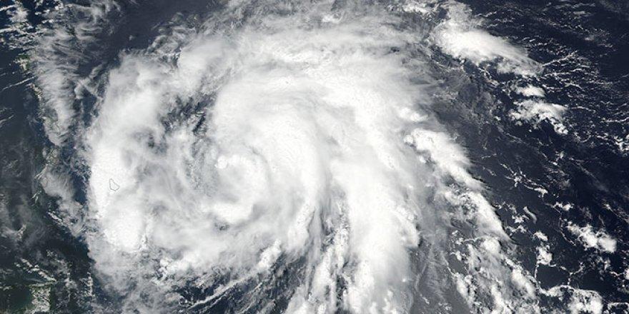 Cristobal Kasırgası ABD'yi tehdit ediyor