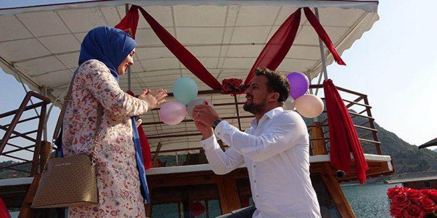 Yasak bitti evlilik teklifi geldi