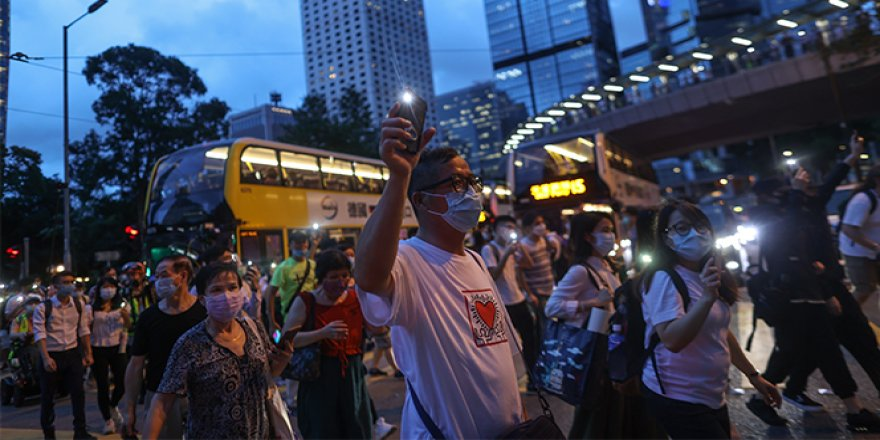 Hong Konglular, protestoların birinci yıl dönümünde yine sokaklarda