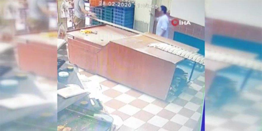 Şişli'de fırıncıların kürek ve tahtalı kavgası kamerada