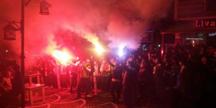 Kars'ta Fenerbahçe'nin Zafer Kutlaması