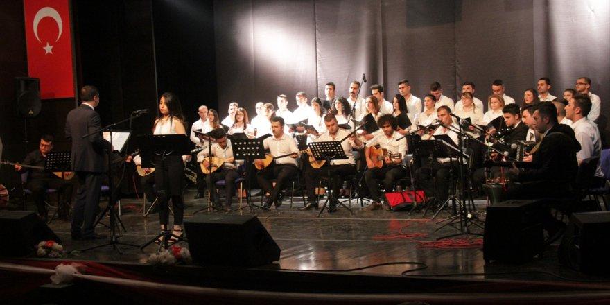 Kars'ta Müzik Ve Halk Oyunları Gösterisi