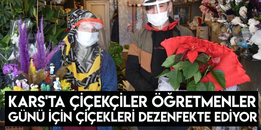 Kars'ta Çiçekçiler Öğretmenler Günü İçin Çiçekleri Dezenfekte Ediyor