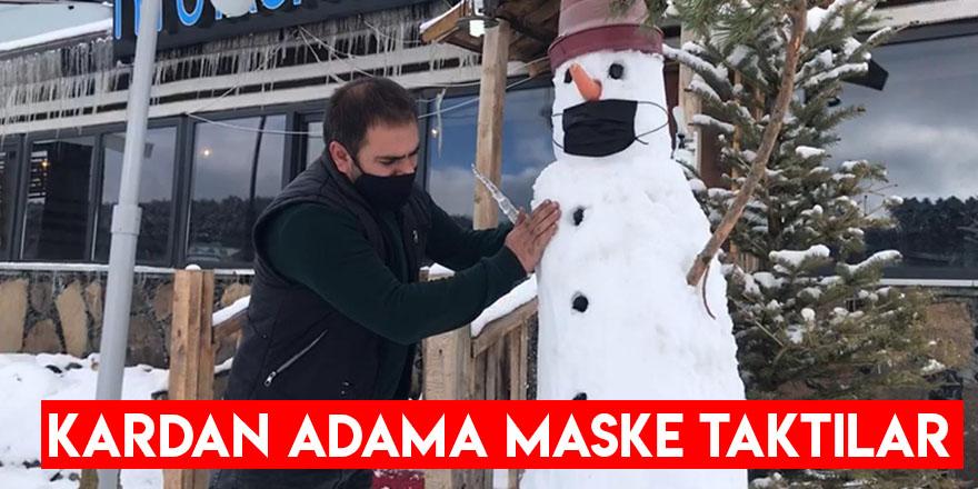 Kardan Adama Maske Taktılar