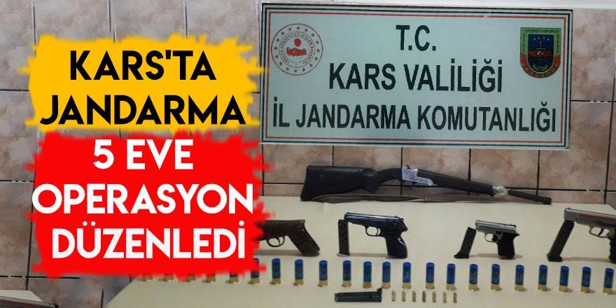 Kars'ta Jandarma 5 Eve Operasyon Düzenledi