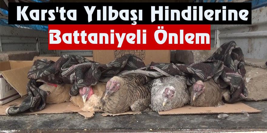 Kars'ta Yılbaşı Hindilerine Battaniyeli Önlem