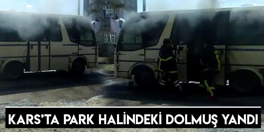 Kars'ta Park Halindeki Dolmuş Yandı