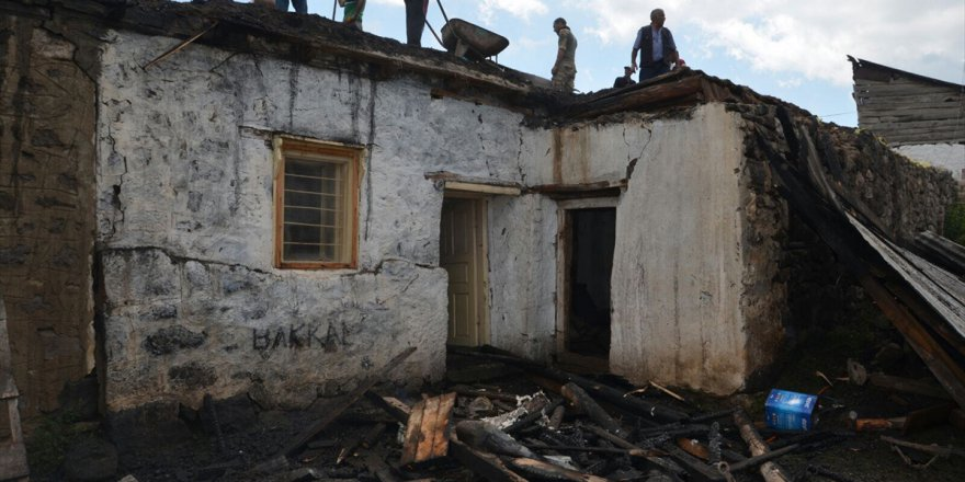 Kars'ta ev yangını