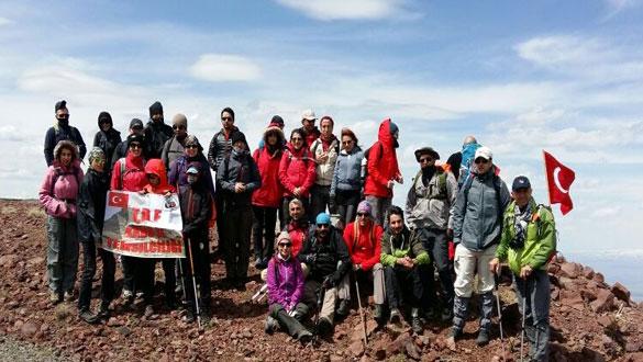 Karslı Dağcılar Digor Dumanlı Dağı´na Tırmandı