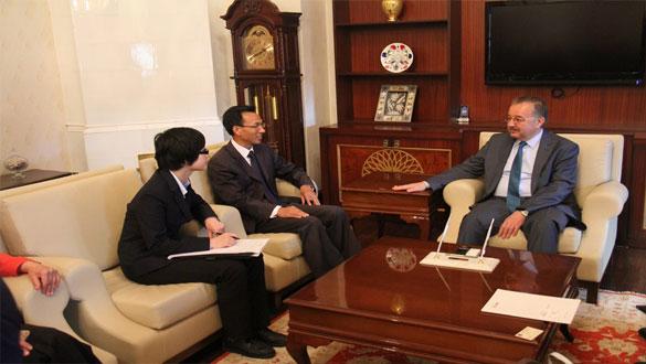 Çin Büyükelçisi Yu Hong Yang Vali Özdemir'i Ziyaret Etti