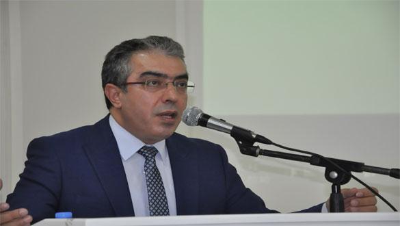 Mehmet Uçum Kars'ta Yeni Anayasa Ve Başkanlık Sistemini Anlattı