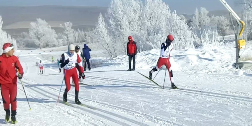 Ağrılı kayakçılar sezona 11 madalya ile başladılar