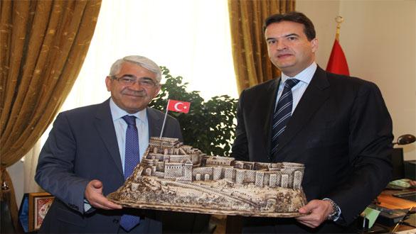 Karaçanta İran'ın Tebriz Türkiye Başkonsolosunu Ziyaret Etti