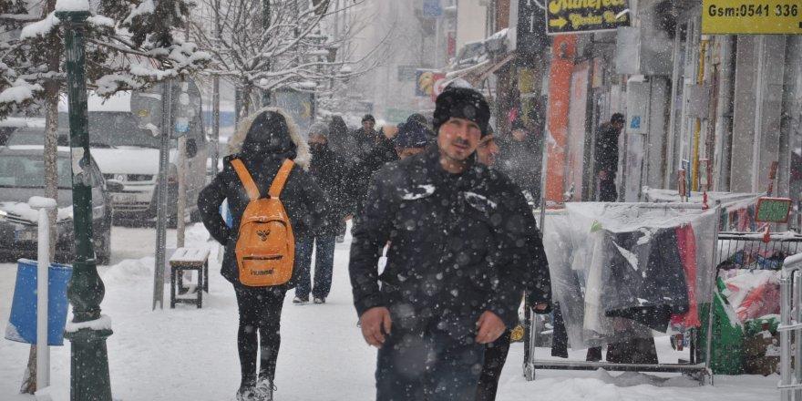 Kars'ta 39 köy yolu ulaşıma kapandı