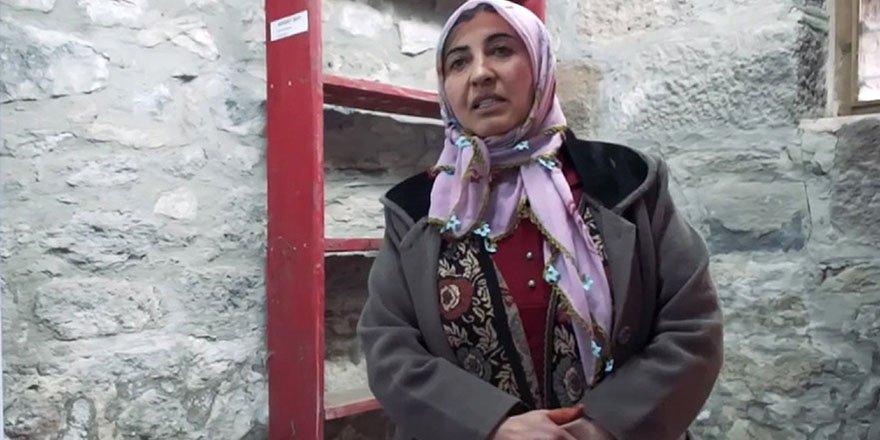 Konuşmasına Fransızca başlayıp Türkçe bitiren Karslı kadın fenomen oldu