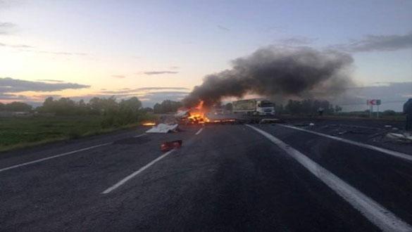 Kaza Yapan Minibüsün Sürücüsü Yanarak Öldü