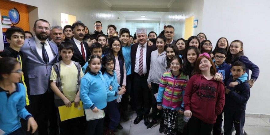 Vali Doğan, KAKÜV ilköğretim okulunda