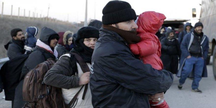 Kars'ta Kaçaklar polisi görünce kaçmaya çalıştı