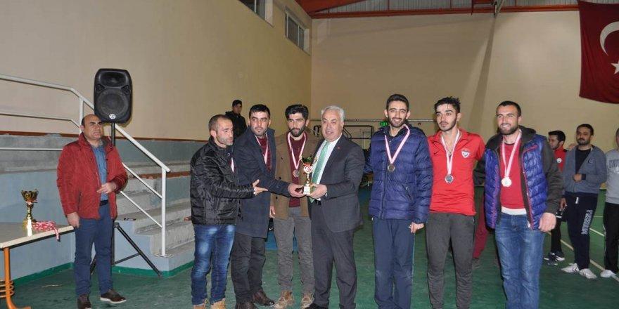 Voleybol Turnuvası'nın ödülleri Afrin'e
