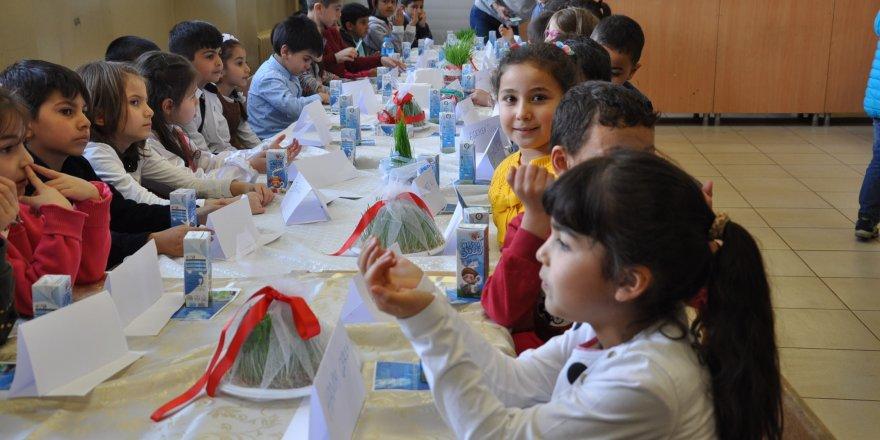 Kars Atatürk İlköğretim Okulu'nda Nevruz coşkusu