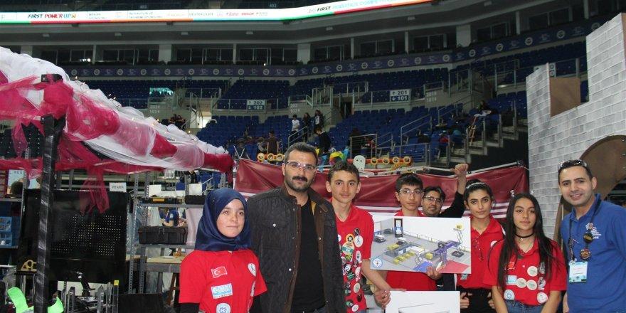 Selim Lisesi, robot yarışmasında 5. oldu