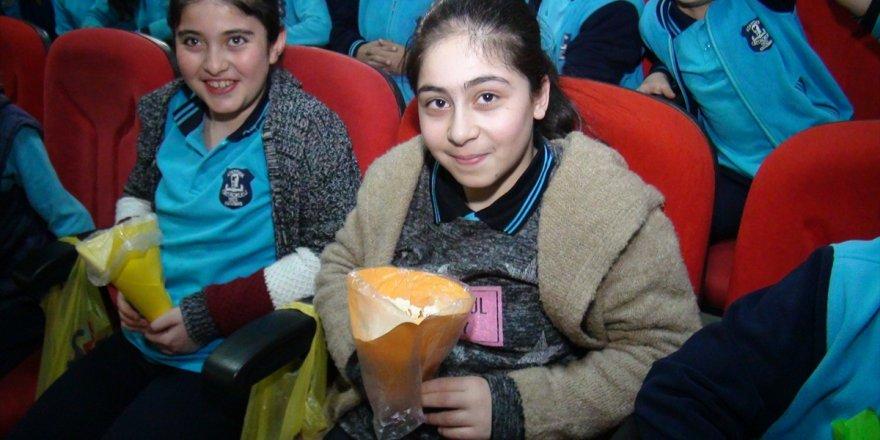 Kağızman'da başarılı öğrenciler ödüllendirildi