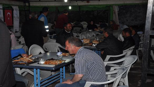Günlük 300 Kişiye İftar Yemeği