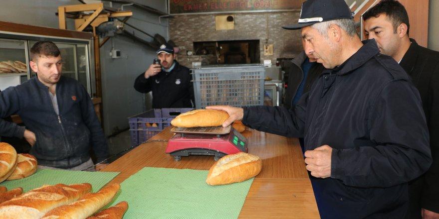 Kars Belediyesi Fırın,Lokanta ve Kasapları Denetledi