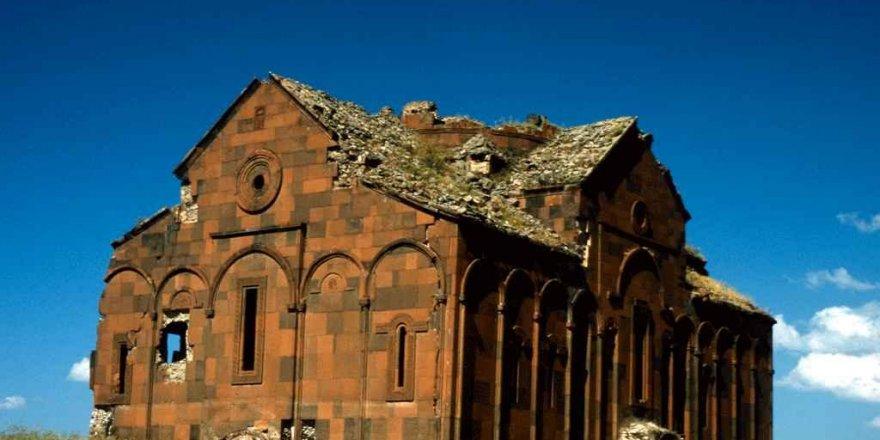 """Ani'deki """"Büyük Katedral"""" restore edilecek"""