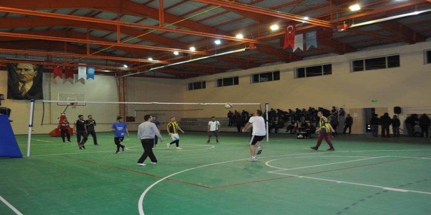 Kars'ta Voleybol Turnuvası Düzenleniyor