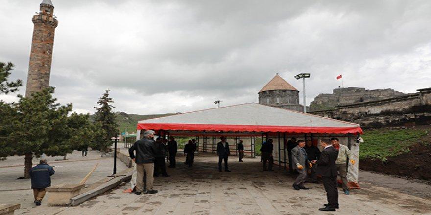 Kars'ta Ramazan İftar Çadırı Kurdu