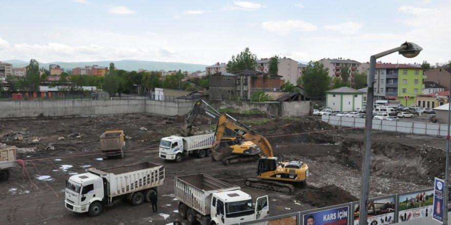Kars'ta Sultan Alpaslan Külliyesi İnşaatı Hız Kesmeden Devam Ediyor