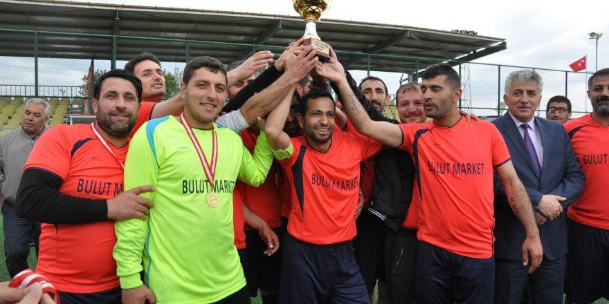 """Kars'ta, """"Kurumlar Arası Futbol Turnuvası"""" sona erdi"""