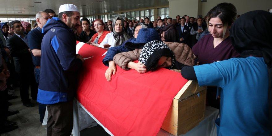 İftar İçin Geldiği Kars'tan Erzurum'a Dönen Doktor Trafik Kazası Kurbanı