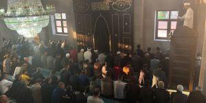 Kars'ta Bayram Namazında camiler doldu taştı