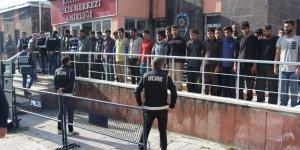 Kars'ta 43 kaçak göçmen yakalandı