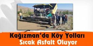 Kağızman'da köy yolları sıcak asfalt oluyor