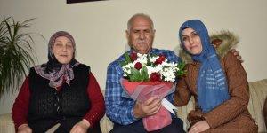 Emekli Öğretmene 33 Yıl Sonra Duygulandıran Sürpriz