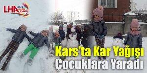 Kars'ta Kar Yağışı Çocuklara Yaradı