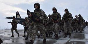 Kars'ta Komandolar Sınır Ötesi Göreve Uğurlandı