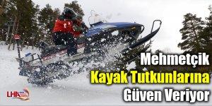 Mehmetçik kayak tutkunlarına da güven veriyor