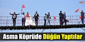 Kars'ta Asma Köprüde Düğün Yaptılar