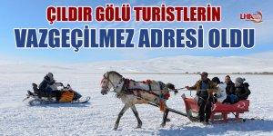 Kars'ta Yüzeyi Buzla Kaplanan Çıldır Gölü Turistlerin Vazgeçilmez Adresi Oldu
