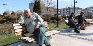 Sokağa Çıkan 65 Yaş Üstü Vatandaşa Verilecek Para Cezası!