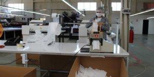 Tosya'da tekstil firmaları maske üretimine başladı