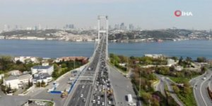 15 Temmuz Şehitler Köprüsü'nde oluşan trafik havadan görüntülendi
