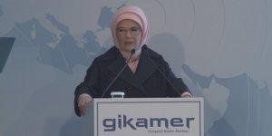 Brigitte Macron Emine Erdoğan'ı telefonla aradı