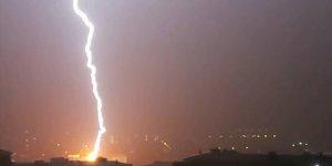 Silivri'de şiddetli yağış su taşkınına neden oldu